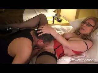 Nina hartley meets dapperdan di exxxotica uses dia muka untuk cuntlick lesson