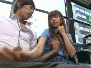 Rina rukawa sleaze कोरियन fuzz gives एक kiss onto एक बस