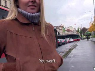 Tschechisch mädchen zuzana banged für einige geld