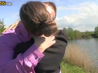 Krievi studente gave a jāšanās busiian stude