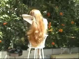 Carmella lange haar brushing und zöpfe, porno f8