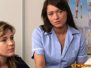 Rapariga vestida gajo nu enfermeira nadia elainas paciente cums