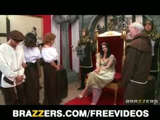 The Queen Gets Caught Cheating And Is Punished With