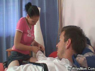 Vrouw catches haar man neuken haar mam