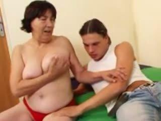 Harig oma r20: gratis rijpere porno video- 4a