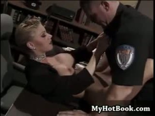 big boobs, satu, polisi