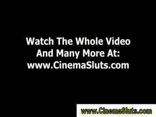 Echt amateur publiek bioscoop neuken zuigen slet