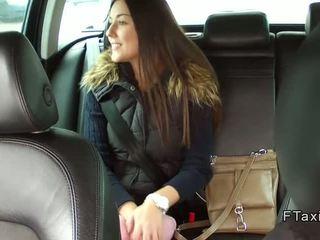 Красуня чешка краля banged в fake taxi