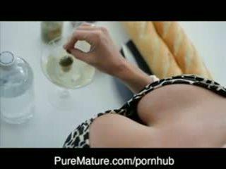 Puremature martini eilė apie su milf veronica avluv