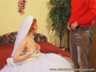 The wedding fucker and bang by a strangers cock !