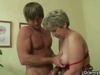 Oldie gets nailed oleh an muda guy