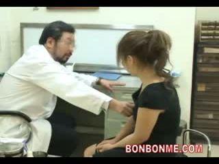 Zwanger tiener zijn geneukt door dokter naar maken abortion 03