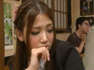 Nanako hoshizaki has viņai bārda veikts mīlestība no backside uz the restaurant