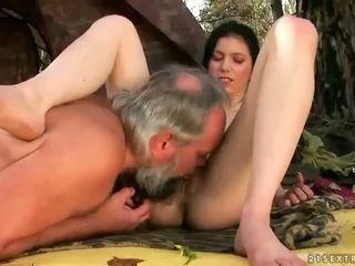 黑妞, 性交性愛, 團體性交
