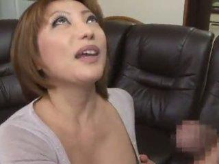 Adorável e picante chinesa reiko kagami giving um hooters lambida