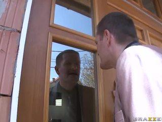 Liecinieks sekss ar karstās meitene
