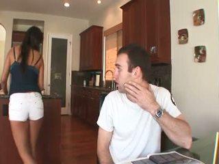 Seksuālā brunete meksikāņi lelle ar a matainas muff takes a grūti anāls jāšanās