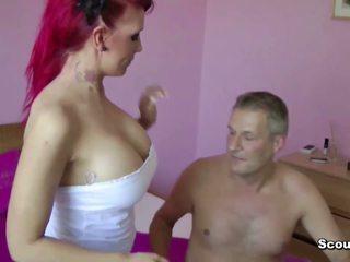 Vācieši rūdmataina paklīdusi sieviete lexy nokļūt fucked ar vecs vīrietis par