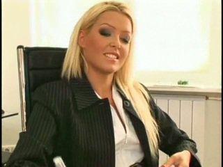 Super sexy en mooi nieuw lesbisch secretaresse