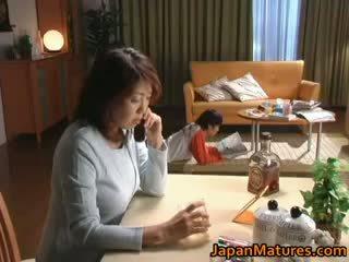 Nadržený japonská zralý babes sání part2