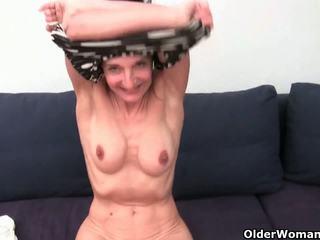 Бабця з волохата манда gets fingered