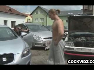 Mechanic y cliente joder outdoors