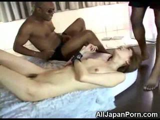 Ιαπωνικό κορίτσι vs μαύρος/η cocks!