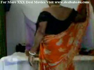 인도의 마을 aunty 빌어 먹을 와 nieghbour peon