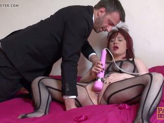 Deepthroated brit coura masturbating, volný porno e3