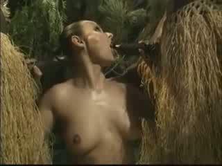 Afrykańskie brutally fucked amerykańskie kobieta w dżungla wideo