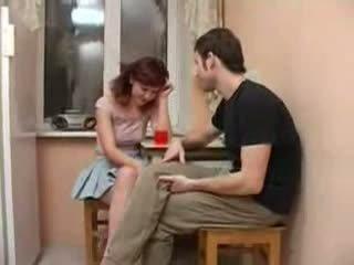 Friends dronken sister seduced en geneukt video-