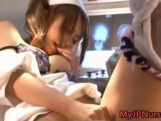 Akina прекрасен азиатки медицинска сестра expand тя twat
