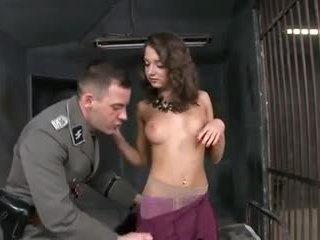 Anāls sekss uz cietums