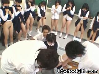 Horký pohlaví dívka v školní třída