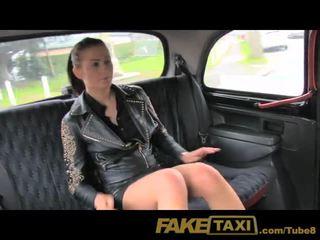 Faketaxi não dinheiro, assim ela pays com dela cona