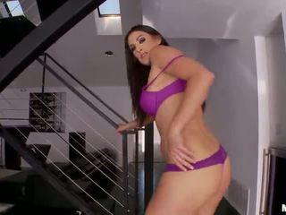 Misty anderson kneads henne bust og anal tunnel og smashes henne vag surrounding en leketøy