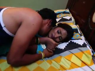 Indijke gospodinja romanca s newly poročeni bachelor - midnight masala filmi -