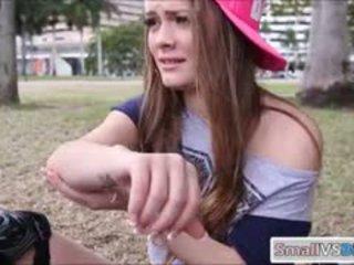 Azienda culo bruna giovanissima ragazza monica salire nailed da grande cazzo