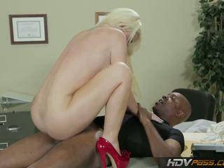 блондинки, големи цици, рогоносец