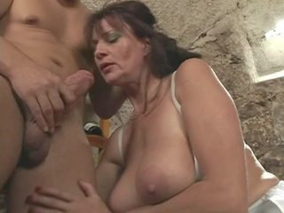 i ndyrë, big boobs, grannies
