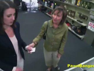 Easy customer takes sik in her saçly künti for dollars