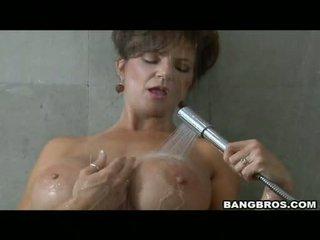 Pleasing momma deauxma likes itu kesenangan dari getting sauced di dia mulut dengan air mani