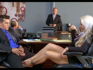 Білявка шльондра в the зустріч кімната, безкоштовно hd порно 68