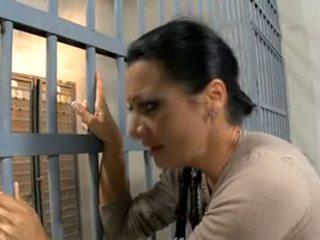 Prisoner's moglie scopata