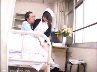 Oud patiënt voyeur seks met verpleegster