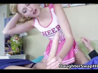 टीन cheerleaders dad's इस बात से सहमत को swap daughters