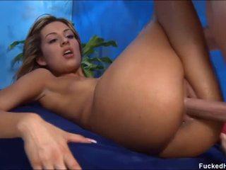 Nudo per suo sessuale massaggio