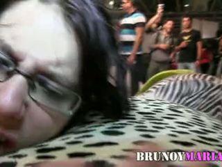 Tetona natuurlijk de 21 años le gusta follar en publico - brunoymaria