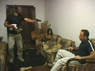 Braziliaans hoorndrager geneukt in voorzijde van echtgenoot door irvinkloss