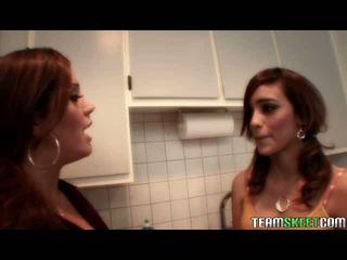 Fierbinte sexy lesbian latina videouri